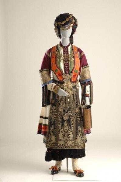 Η φορεσιά της Καραγκούνας