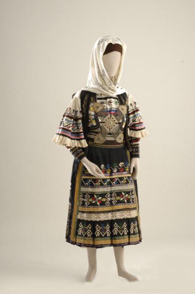Η φορεσιά των Σαρακατσάνων
