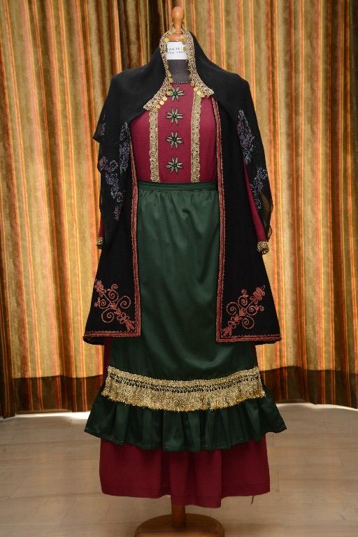 Η γυναικεία φορεσιά στα Κατσανοχώρια Ιωαννίνων