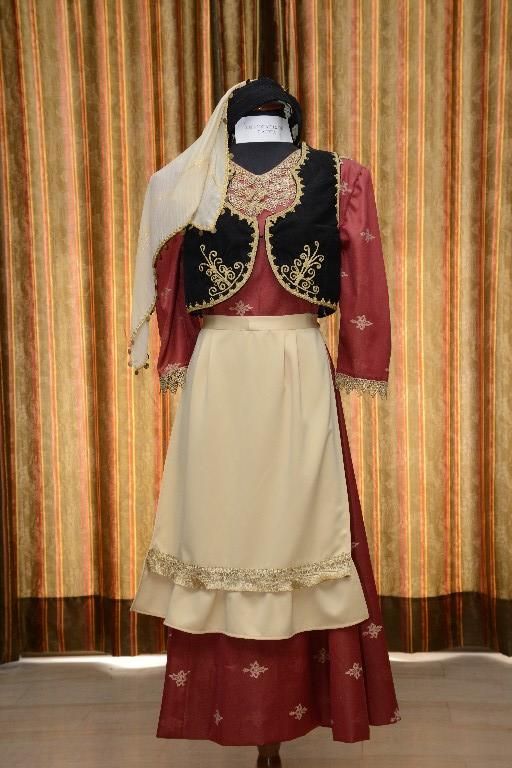 Η γυναικεία φορεσιά στα Σιάτιστα