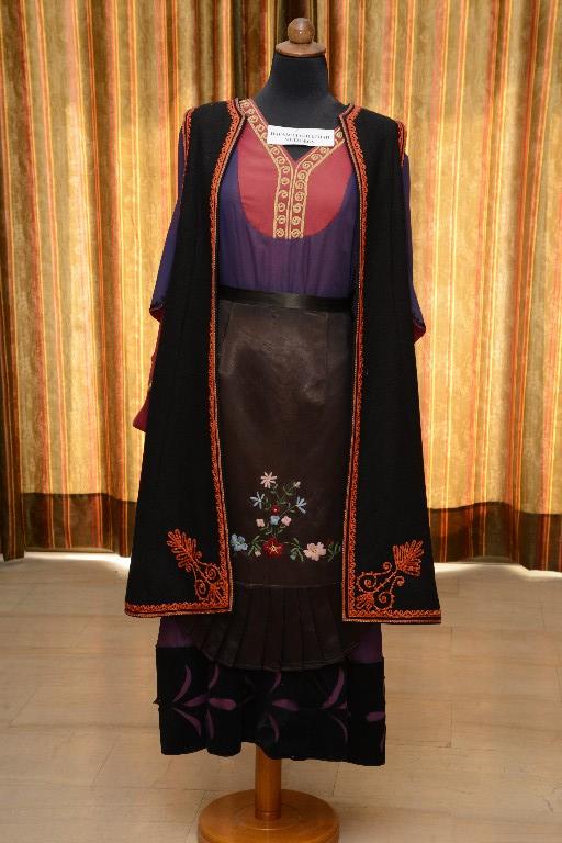 Η γυναικεία φορεσιά του Μετσόβου
